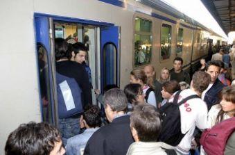 treni treno pendolari-e1340187363846