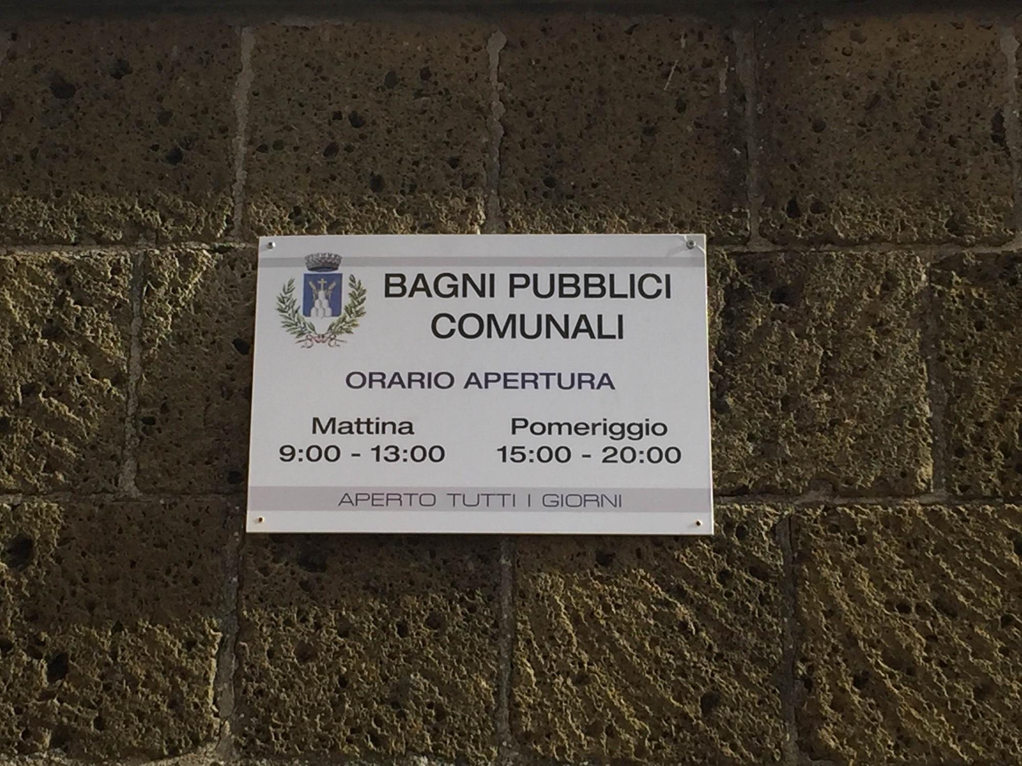 cartello_bagni_pubblici