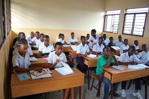 semi di pace Aula con studenti