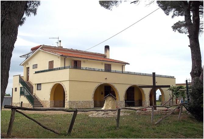 adelphia tuscania