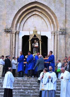 Chiesa-di-S_-Francesco-partenza-processione-di-S_-Antonio-di-Padova