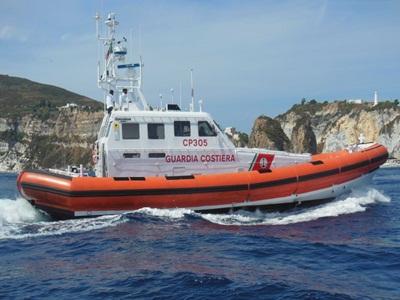 guardia costiera motovedetta cp305