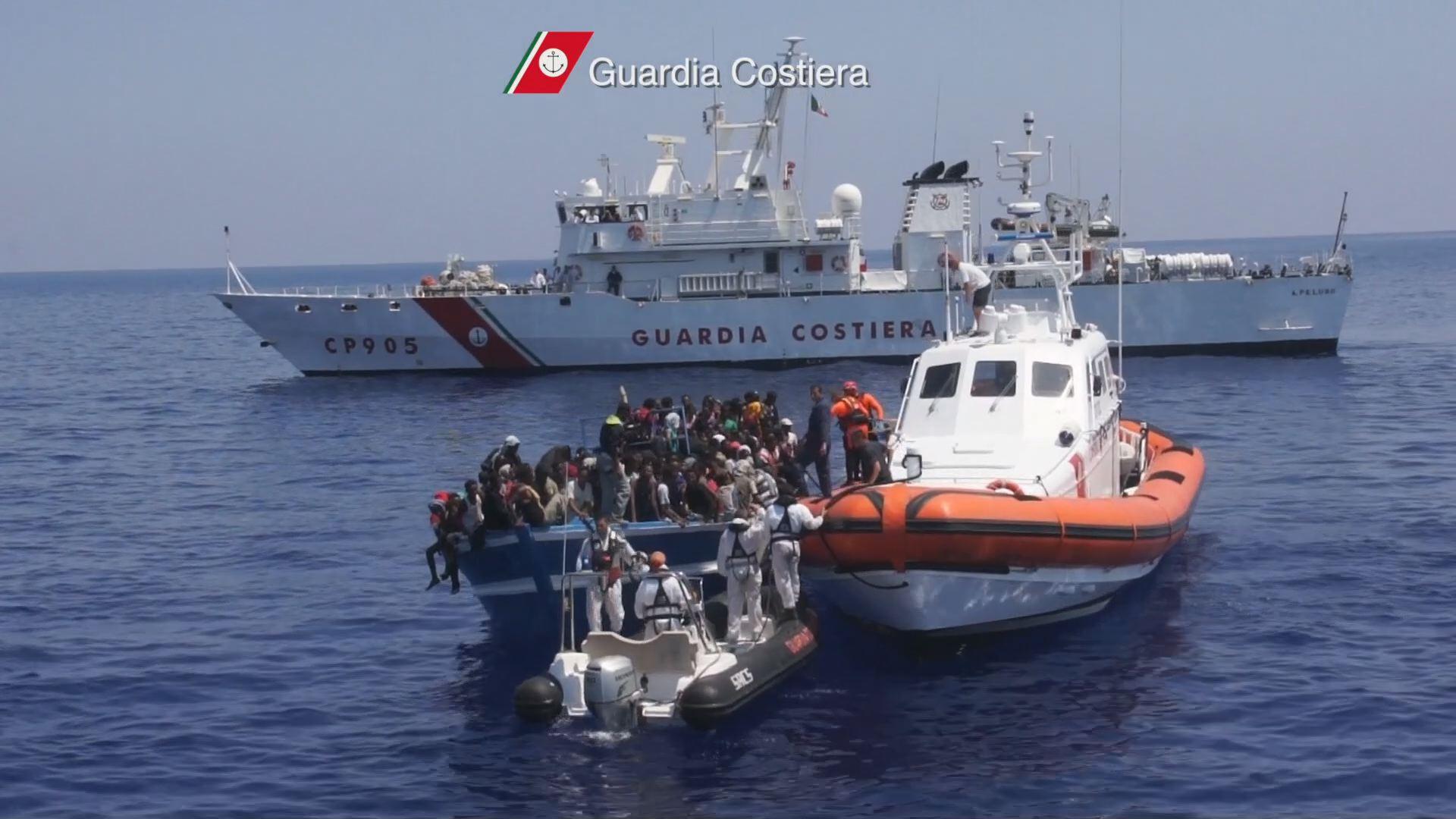 nave-peluso-migranti-portoempedocle1