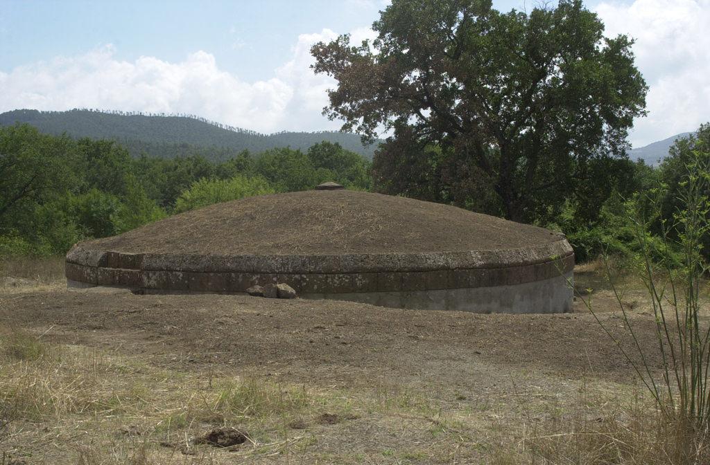 necropoli-pian-conserva-tomba