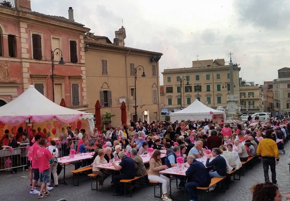 Piazza Giacomo Matteotti tarquinia in rosa