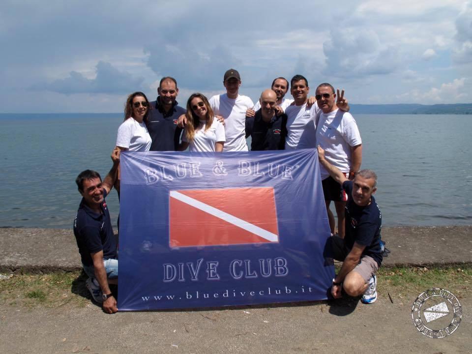 blue dive sub