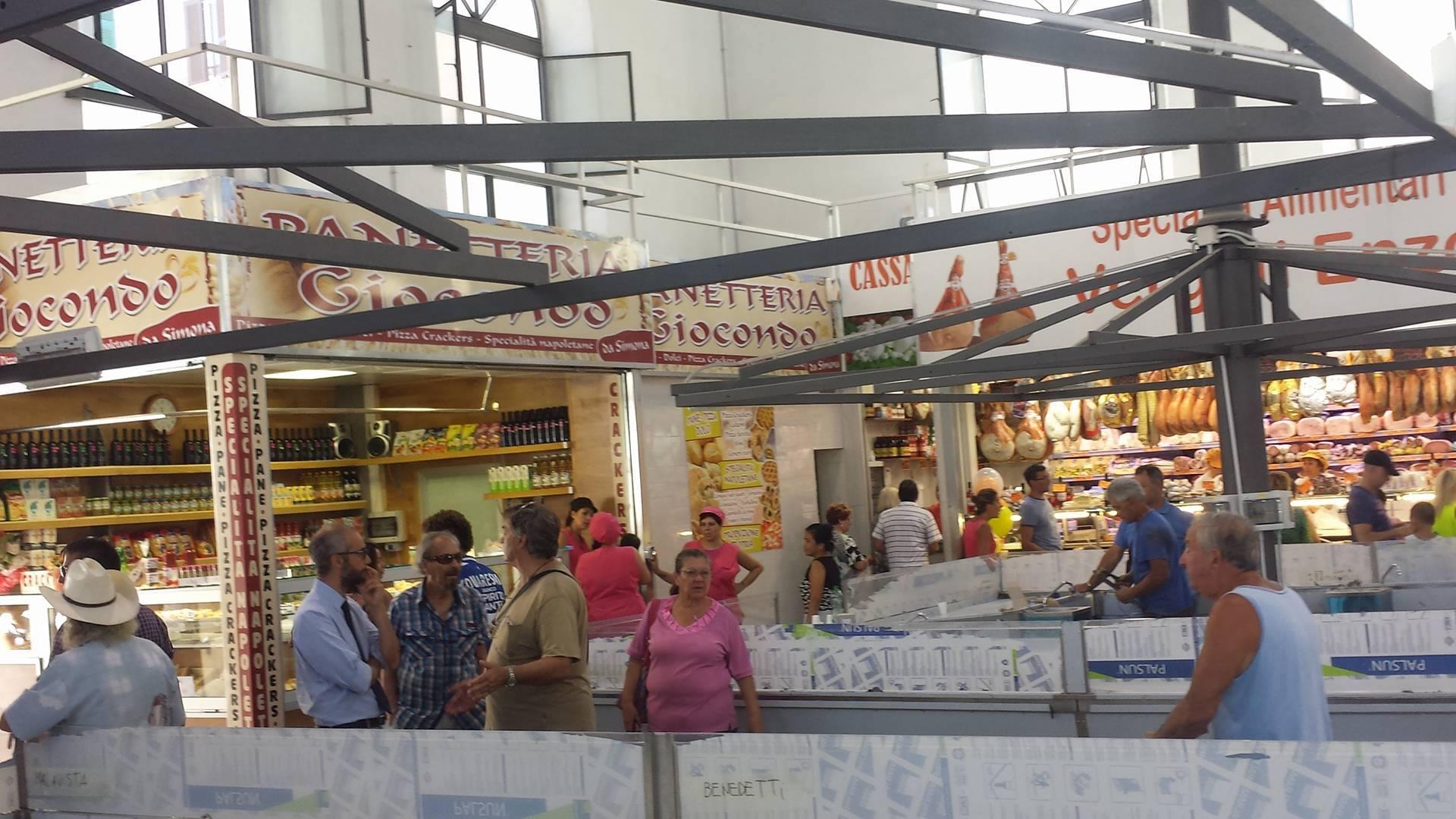 cozzolino mercato coperto