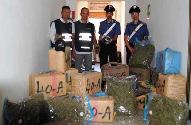 LA-DROGA-SEQUESTRATA-DAI-CARABINIERI-3
