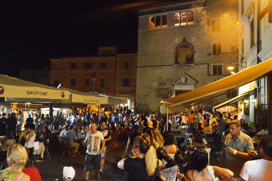 Piazza cavour divino etrusco