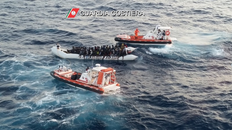 guardia costiera migranti
