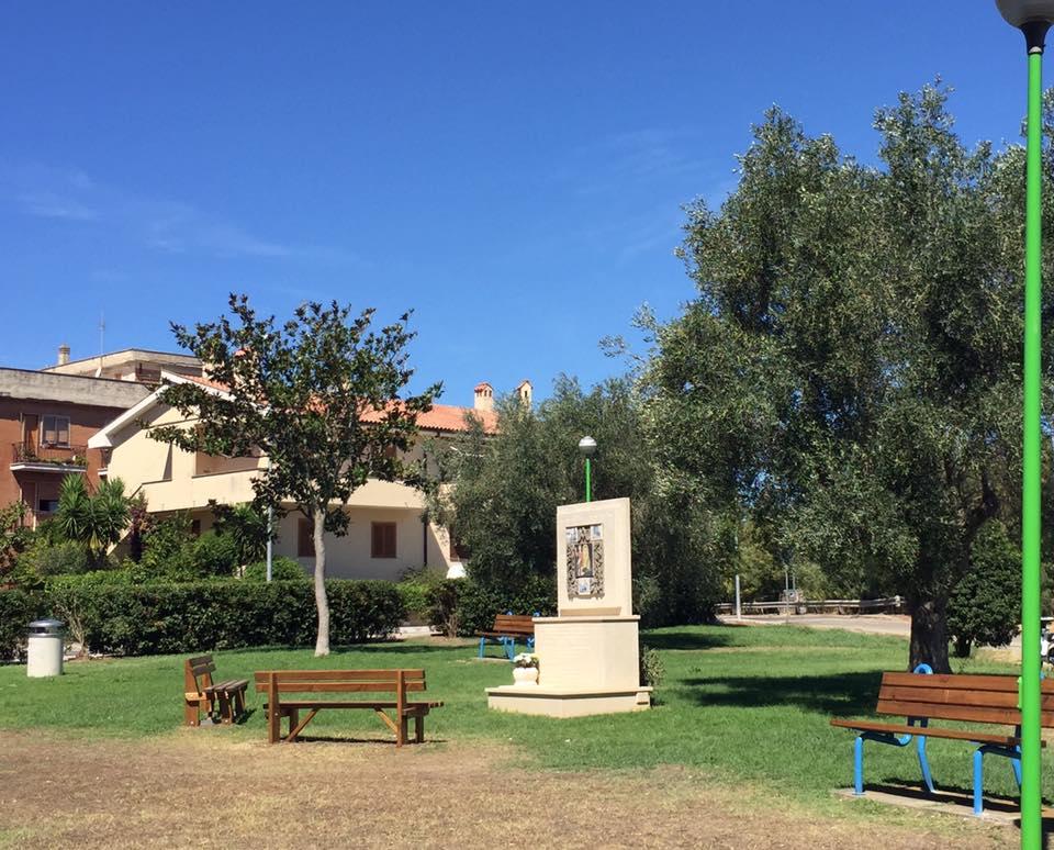 panchine_giardino_pubblico_montalto