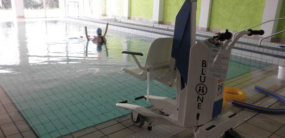 disabili piscina