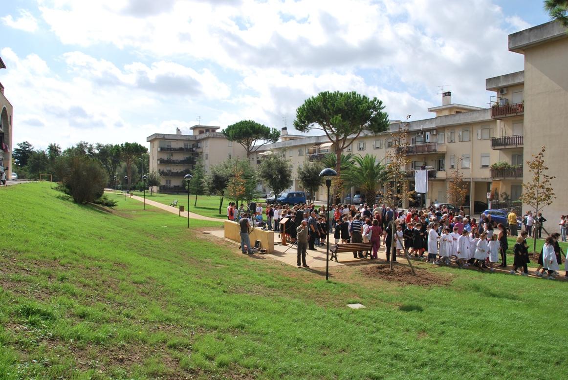 """Tarquinia, i parchi di viale Luigi Dasti e """"Falcone Borsellino"""" con una nuova illuminazione ..."""