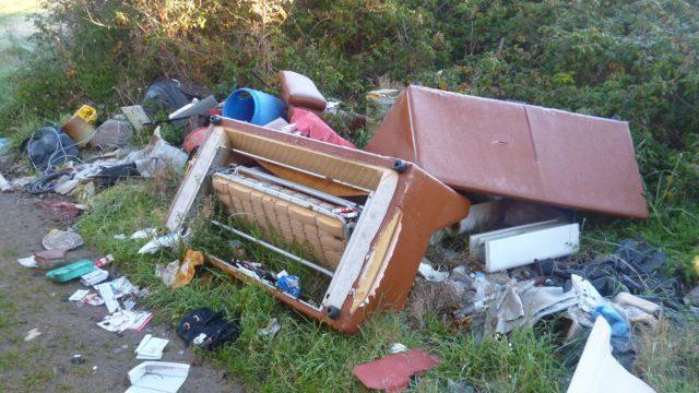 abbandono rifiuti a san giorgio