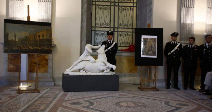 Statua del dio Mitra(fotoFranzBenvenuti-F3Press)