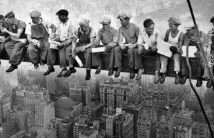 NewYork-Colazione sul grattacielo