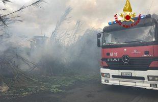 vigili del fuoco sterpaglie
