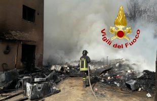 incendio spazzatura roma