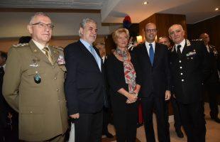 Foto gruppo ministro