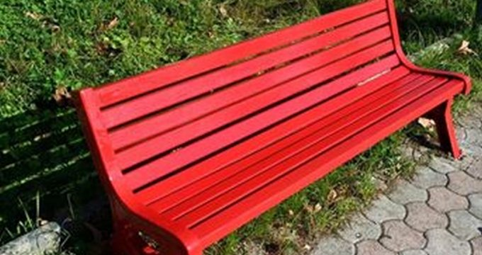panchina-rossa-