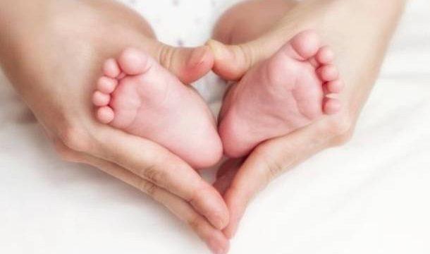 piedini-neonato-
