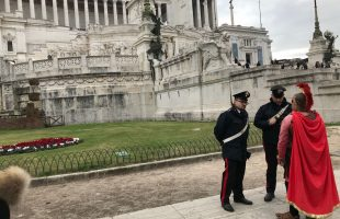 CENTRO - I controlli dei Carabinieri al Colosseo (2)