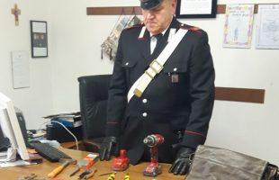 CIVITAVECCHIA - Gli arnesi sequestrati dai Carabinieri