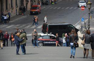 Controlli dei Carabinieri per le vie del centro (2)