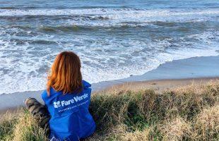 volontaria fare verde su spiaggia saline(1)