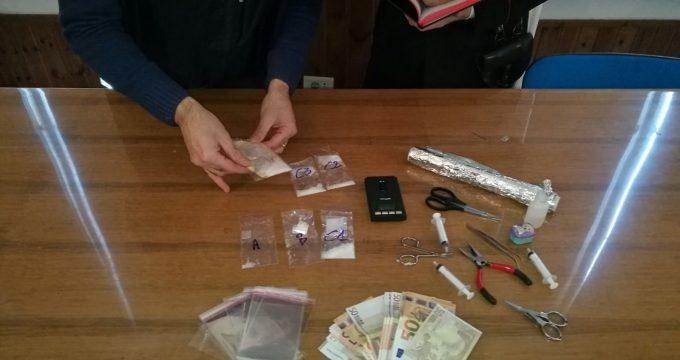 CENTRO - 7 arresti per detenzione shaboo (2)