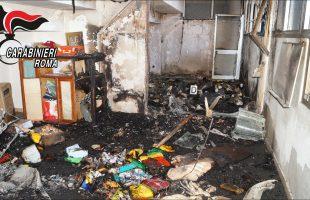 CIVITAVECCHIA - I danni provocati dall'incendio all'interno dei locali scolastici (1)